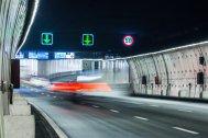 En este tramo del túnel de la M-30 no se pueden sobrepasar los 50 km/h