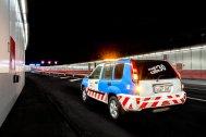 Un coche de Madrid calle 30 en el interior del túnel de la M-30 en Madrid