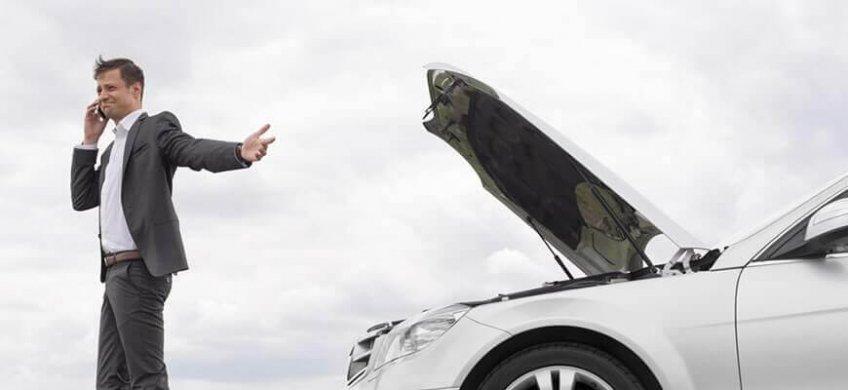 que hacer si el coche se queda sin bateria