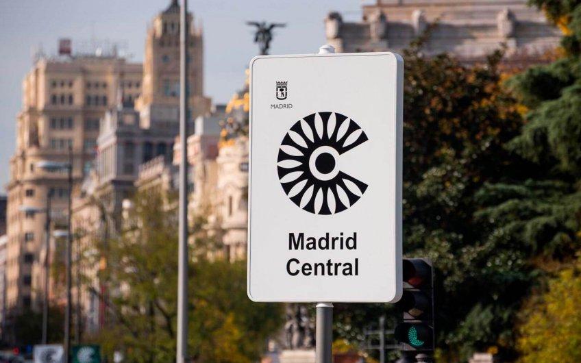 Circular y estacionar la moto dentro de Madrid Central