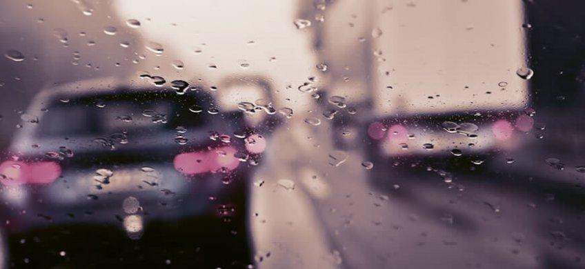 atascos con lluvia