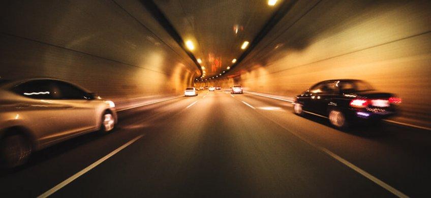 conducir en un túnel