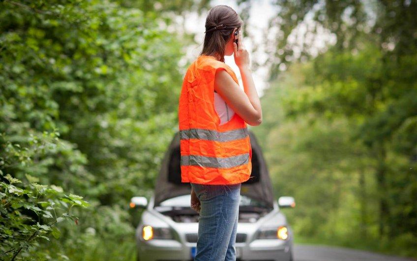 Equipamiento obligatorio del vehículo y equipamiento recomendado