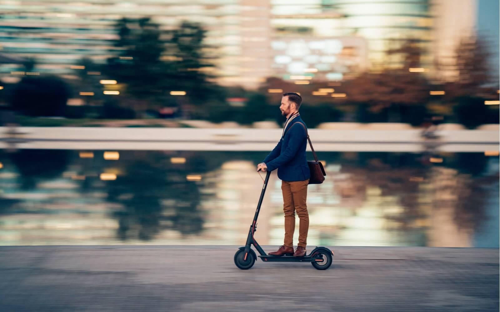 Moverse en patinetes eléctricos por Madrid