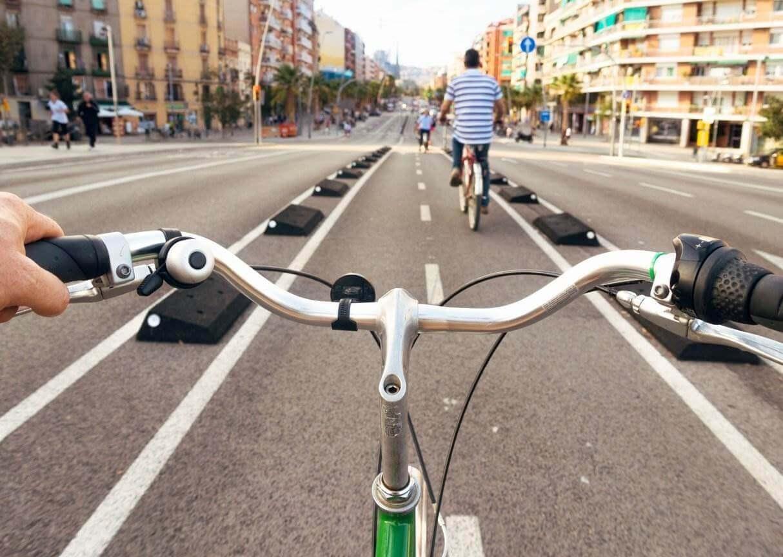 Busca el carril bici, la mejor zona por la que circular