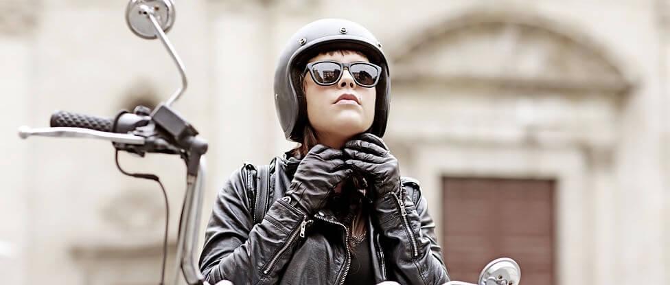 Medidas de protección para motoristas: el casco
