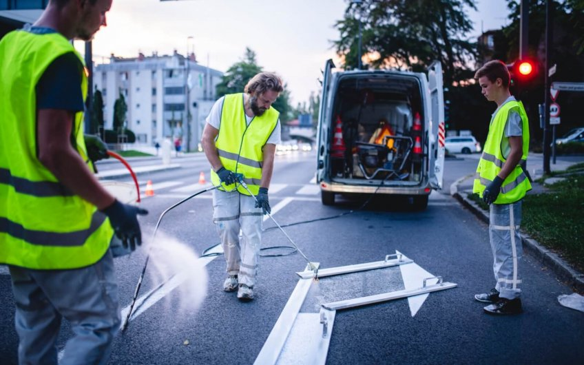 Señalización horizontal: cómo hacemos el mantenimiento
