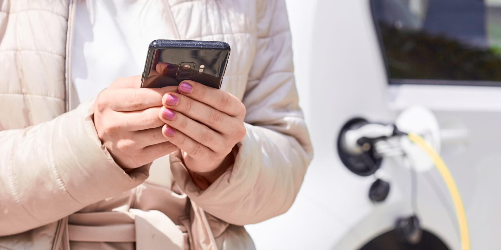 Multa por repostar hablando por el móvil