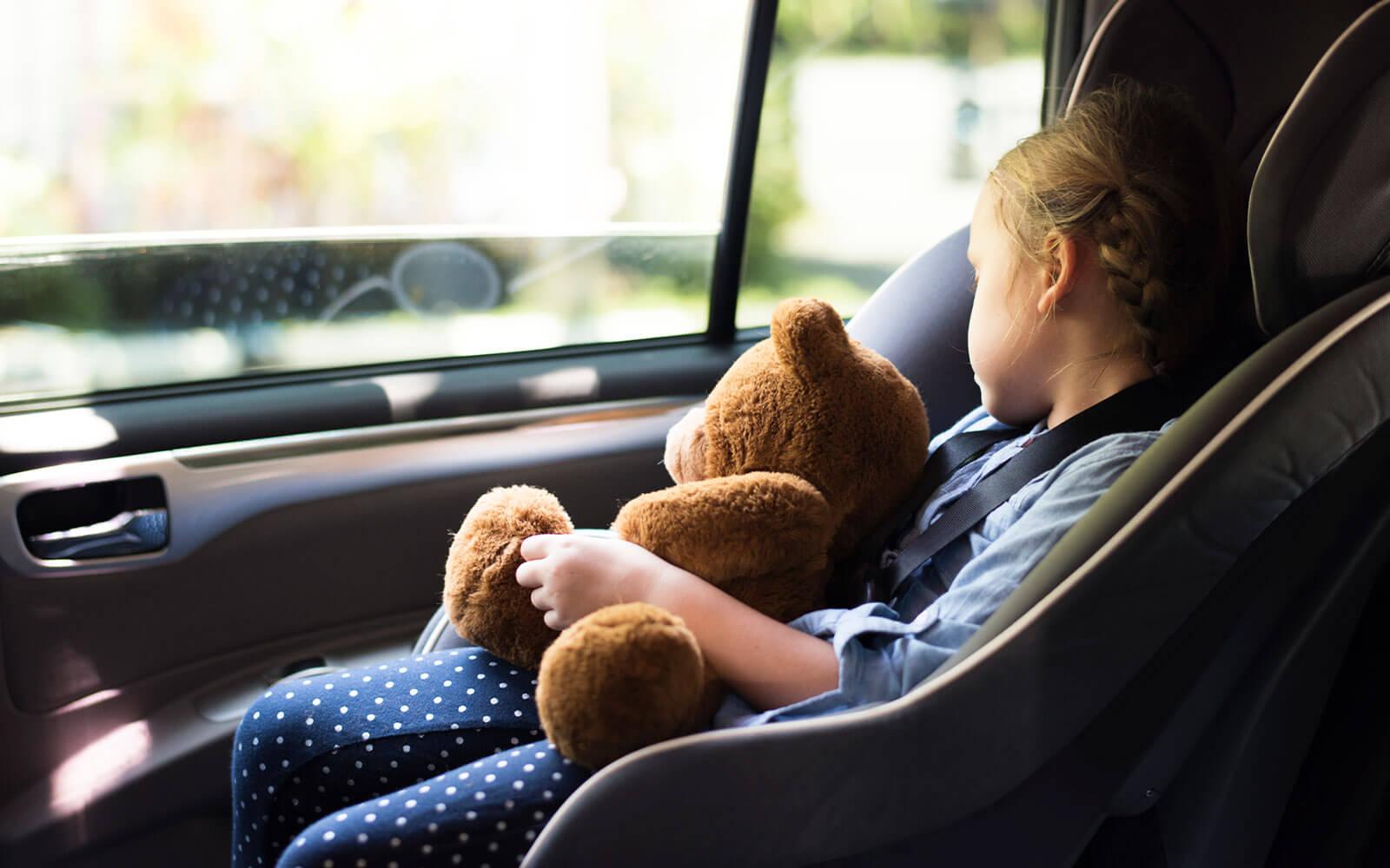 que dice la ley en españa sobre los sistemas de retención infantil