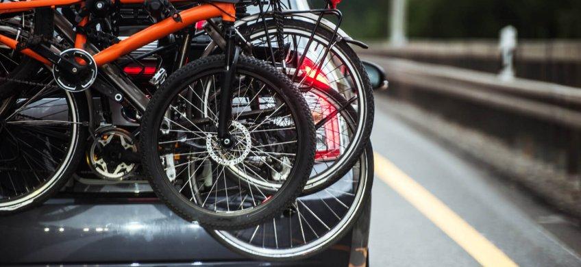 cómo llevar la bici en coche