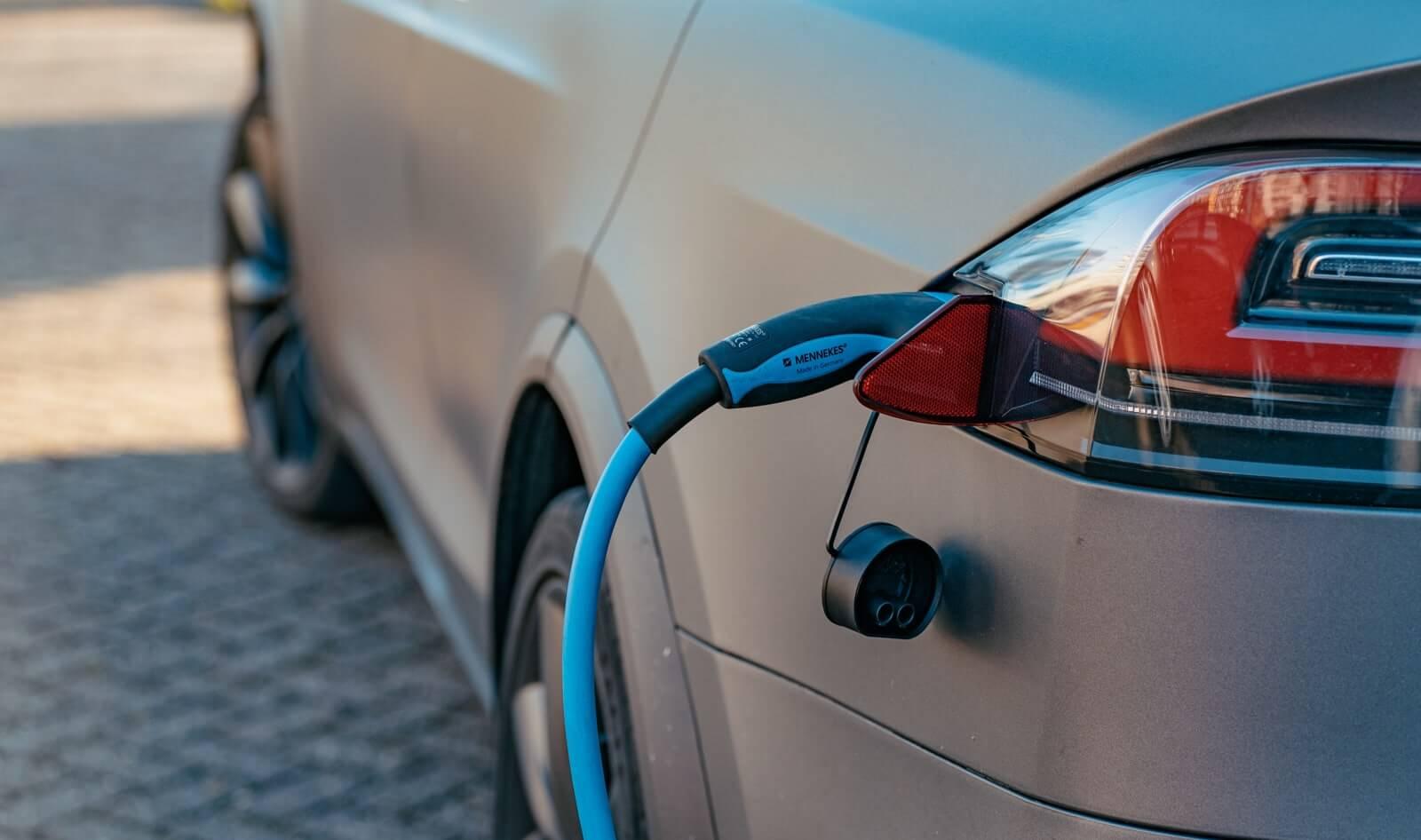 coste del combustible coche electrico vs gasolina